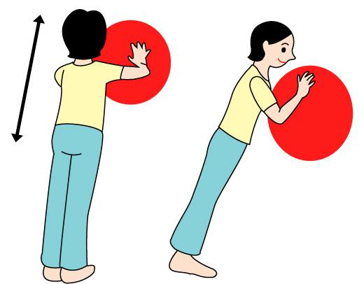 バランスボールで腕と背筋の運動02