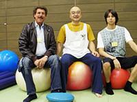 ギムニク・バランスボールの社長コサーニ氏と、ケンさん